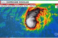 Cơn bão Douglas chuẩn bị đổ bộ vào bang Hawaii của nước Mỹ