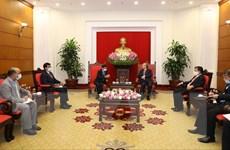 Thường trực Ban Bí thư Trần Quốc Vượng tiếp Đại sứ Ấn Độ Pranay Verma