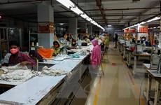 Dịch COVID-19: Công nhân may mặc toàn cầu mất gần 6 tỷ USD thu nhập