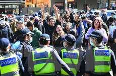 Australia bắt hơn 200 người biểu tình vi phạm quy định chống COVID-19