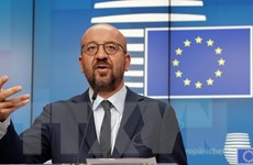 Chủ tịch Hội đồng châu Âu cảnh báo Anh phải tuân thủ thỏa thuận Brexit