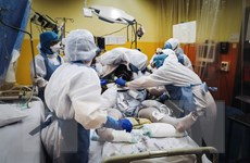 Pháp và Anh sẵn sàng áp đặt thêm các biện pháp phòng dịch COVID-19