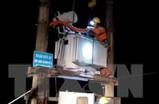Khôi phục cung cấp điện cho khách hàng bị ảnh hưởng mưa lũ, ngập lụt