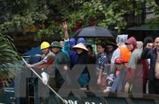 Mưa lũ lịch sử tại Hà Tĩnh: Nhiều chủ xe ben chở đồ miễn phí cho dân