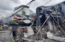 Cà Mau: Hàng loạt gian hàng bất ngờ bốc cháy trong khu dân cư