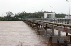 Cảnh cáo các nhà thầu để công nhân mắc kẹt giữa dòng sông Trà Khúc
