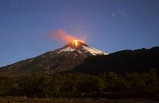 Chile ban bố cảnh báo vàng trước nguy cơ núi lửa Villarrica phun trào