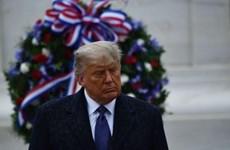 Tổng thống Donald Trump thăm Nghĩa trang Quốc gia Arlington