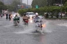 TP Hồ Chí Minh: Nhiều tuyến đường ngập sâu vì triều cường đạt đỉnh