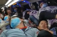 Kon Tum: Phát hiện xe khách chở gần gấp đôi số người quy định