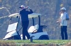 [Video] Tổng thống Mỹ Donald Trump bình thản đi chơi golf dù thua kiện