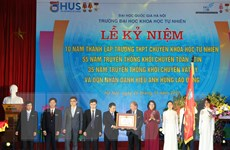 Trường THPT Chuyên Khoa học Tự nhiên đón nhận danh hiệu Anh hùng