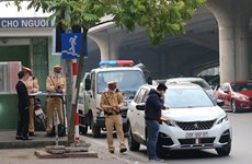 Hà Nội: Ra quân xử lý xe ôtô dừng, đỗ gây cản trở giao thông
