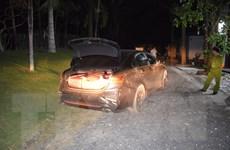 Bình Phước: Truy bắt tài xế bỏ trốn để lại ôtô và hơn 160kg pháo lậu