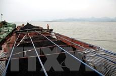Bộ Tư lệnh Vùng Cảnh sát biển tạm giữ 500 tấn than không rõ nguồn gố