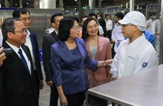 Phó Chủ tịch nước đánh giá cao chính sách của Vinamilk với công nhân