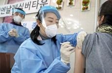 Quyết định tăng liều tiêm của mỗi lọ vắcxin gây tranh cãi ở Hàn Quốc