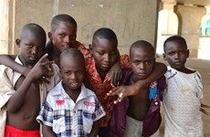 Niger: Các lớp học lều rơm bất ngờ bốc cháy, 20 học sinh thiệt mạng