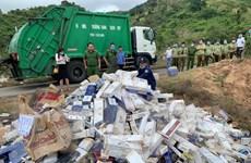 Tiền Giang: Phát hiện xe ôtô chở 500 cây thuốc lá ngoại nhập lậu