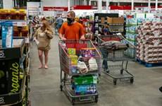 Vì sao các hãng bán lẻ lớn trên thế giới đồng loạt tăng giá hàng hóa?