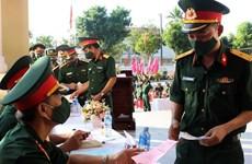 [Video] Cử tri quân đội đi bầu cử và bảo vệ an toàn cho ngày bầu cử