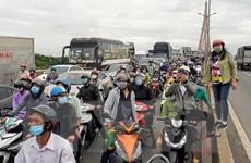 Lái xe bồn ngủ gật gây tai nạn giao thông liên hoàn trên cầu Cần Thơ