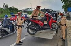 Hà Nội lập chốt xử lý nghiêm xe máy đi trên đại lộ Thăng Long