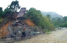Cao Bằng: Xe đầu kéo bốc cháy trên đèo Khau Múc, lái xe tử vong