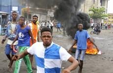 CHDC Congo: Xe bồn đâm xe khách bốc cháy dữ dội, 33 người chết