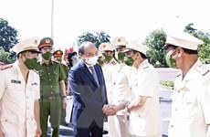 Chủ tịch nước Nguyễn Xuân Phúc kiểm tra công tác đặc xá tại Bắc Giang