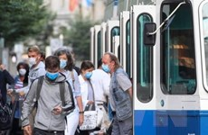 Dịch COVID-19: Thụy Sĩ không siết chặt biện pháp phòng dịch