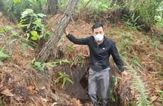Thanh Hóa: Núi Biềng Kha nứt lớn, nguy cơ đất đá trượt xuống nhà dân