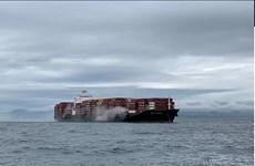 Canada: Tàu container chở hóa chất bốc cháy do chở quá tải trọng