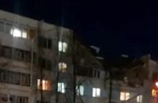 Nga: Nổ lớn phá hủy một phần tòa nhà 5 tầng, nhiều người mắc kẹt