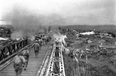 """Ký ức về cây cầu """"tiến quân lịch sử"""" trên dòng Nậm Rốm"""