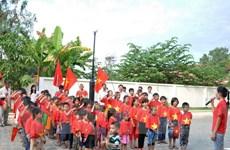 Trẻ em Việt Nam tại Campuchia và Séc vui tết thiếu nhi