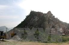 Xác định vị trí nạn nhân lái máy xúc trong vụ sập mỏ đá