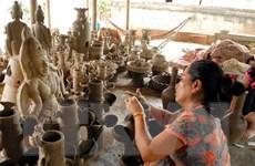 Trưng bày nghề truyền thống người Chăm ở Ninh Thuận