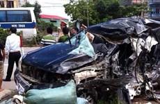Hưng Yên: Xe chở khách lao vào xe 7 chỗ, 4 người thương vong