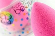 Mẹo đánh phấn để không bị mốc da khi trang điểm trong mùa khô