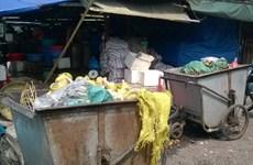 Xử lý dứt điểm việc người dân đưa rác thải vào trụ sở Ủy ban xã