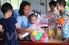 Ám áp lòng nhân ái người mẹ trẻ cho những mảnh đời bất hạnh