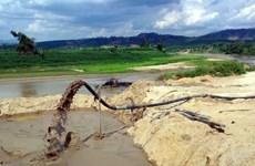 Tái diễn tình trạng khai thác cát trái phép trên sông Bánh Lái