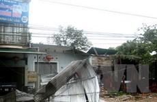 Mưa dông mạnh làm sập và tốc mái 20 căn nhà tại Hậu Giang