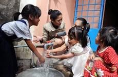 Sinh viên Hàn xây công trình lọc nước cho học sinh Bình Định