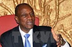 Cử tri Guinea tới các điểm bầu cử bỏ phiếu bầu cử tổng thống