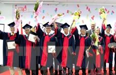 Trao bằng tốt nghiệp cho 43 sinh viên đầu tiên của Đại học Việt Đức