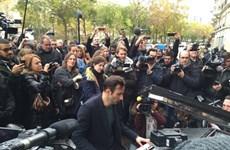 Người dân Paris vững vàng trước hành động tàn bạo của khủng bố