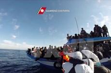 Italy đối phó với số người di cư qua đường biển tăng kỷ lục đầu năm