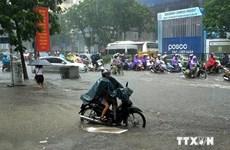 Cả nước mưa dông nhiều nơi, Hà Nội tiếp tục cảnh báo ngập lụt